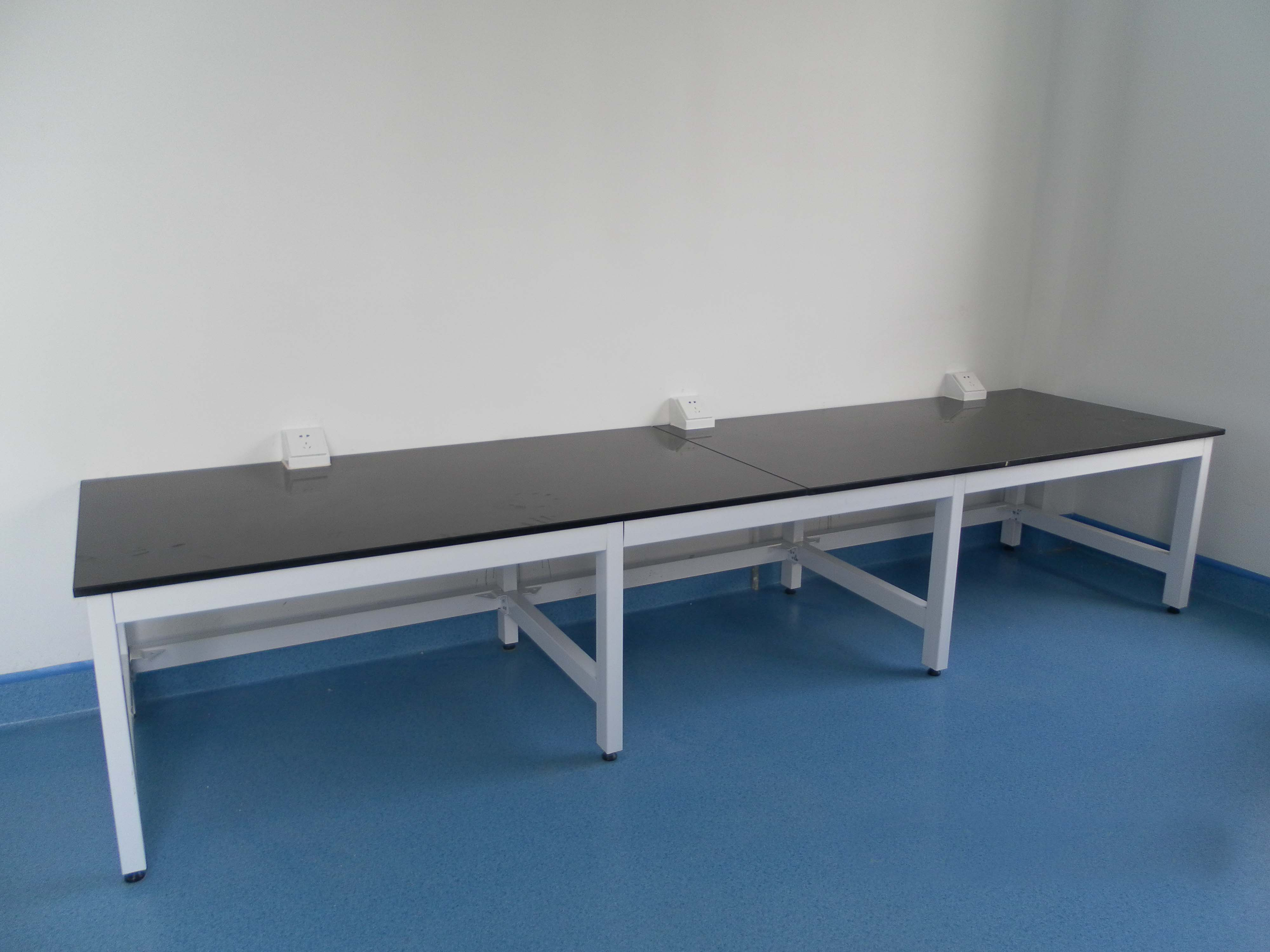 Lab Furniture with H frame
